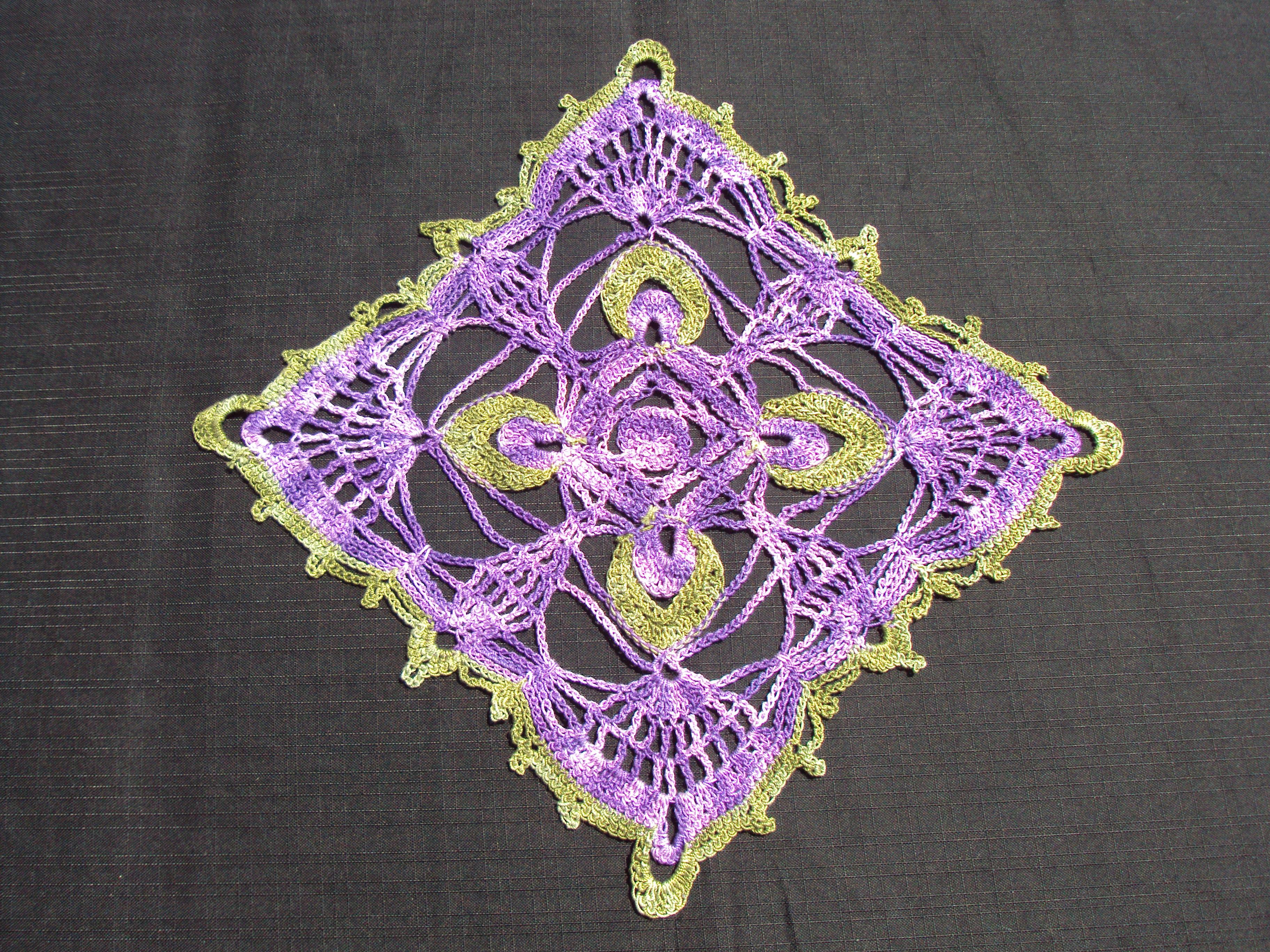 Grand Napperon Au Crochet intérieur napperon carré vert violet - chantal costumes